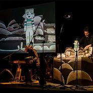 El mNACTEC dels més petits: Espectacle musical 'Una poma, un pomer' amb la companyia De Paper