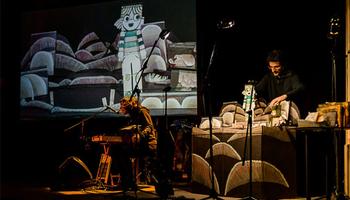 El mNACTEC de los más pequeños: Espectáculo musical 'Una manzana, un manzano' con la compañía De Paper