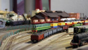 Circulació de trens a la maqueta ferroviària