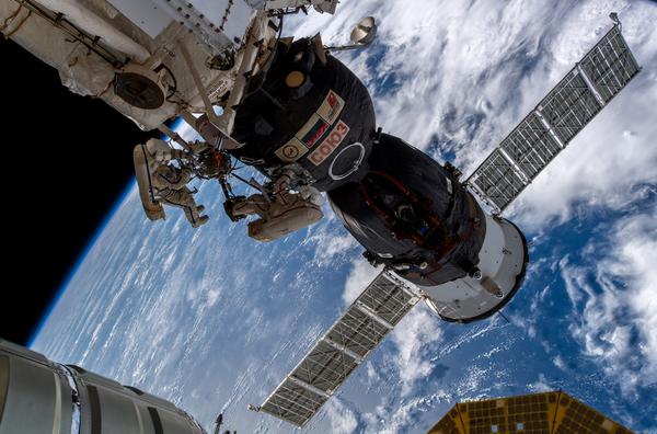 """Inauguració de l'exposició """"Una MIRada a l'espai. Cinema i astronàutica"""""""