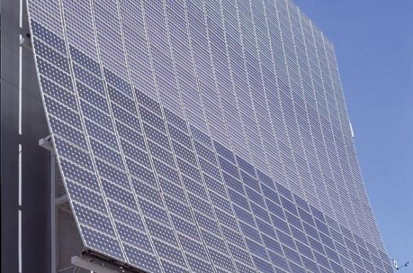 The photovoltaic facade
