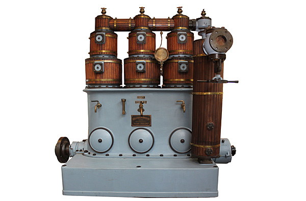 Willams & Robinson high-speed steam engine