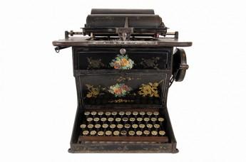 Adquisición de una máquina de escribir Sholes & Glidden
