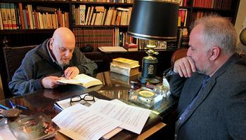 Ingrés de dos destacats fons bibliogràfics