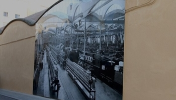 Interactive photographs on the walls of the mNACTEC