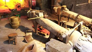 Los metales en los museos de ciencia y técnica. Los museos y la gestión del patrimonio metálico: hierro y aleaciones de cobre